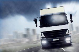 Die Kosten für eine Geschwindigkeitsüberschreitung beim LKW sind oft höher als beim PKW.
