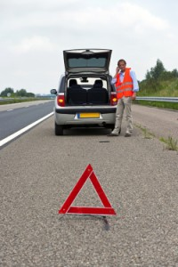 Eine allgemein Verkehrskontrolle setzt auch das Vorhandensein eines Warndreiecks und einer Weste voraus.