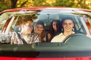 Um Ihre eigene Sicherheit und die Ihrer Mitfahrer zu gewährleisten, sollten Sie sich immer an die Gurtpflicht halten.