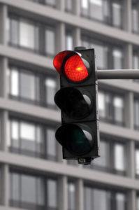 Ein Rotlichtverstoß hat in der Regel oft schwerwiegende Folgen.