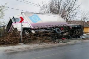 Statistisch gesehen ist die erhöhte LKW-Geschwindigkeit der vierthäufigste Grund für einen Unfall.