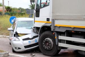 Eine Ordnungswidrigkeit, die in einem Unfall endet, wird oft sehr teuer.