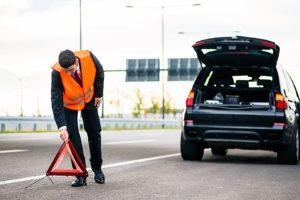 Nach einem Auffahrunfall muss u.U. die Unfallstelle gesichert werden.
